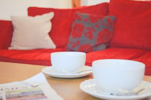 21 st anns sofa and coffee cups