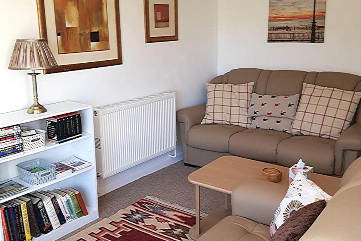 Manorcombe 15 living room Honicombe Manor